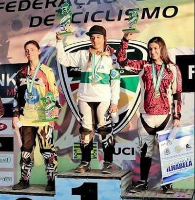 A biker mineira Barbara Jechow (número 1 do pódio) foi a vencedora da prova no Rio Grande do Sul