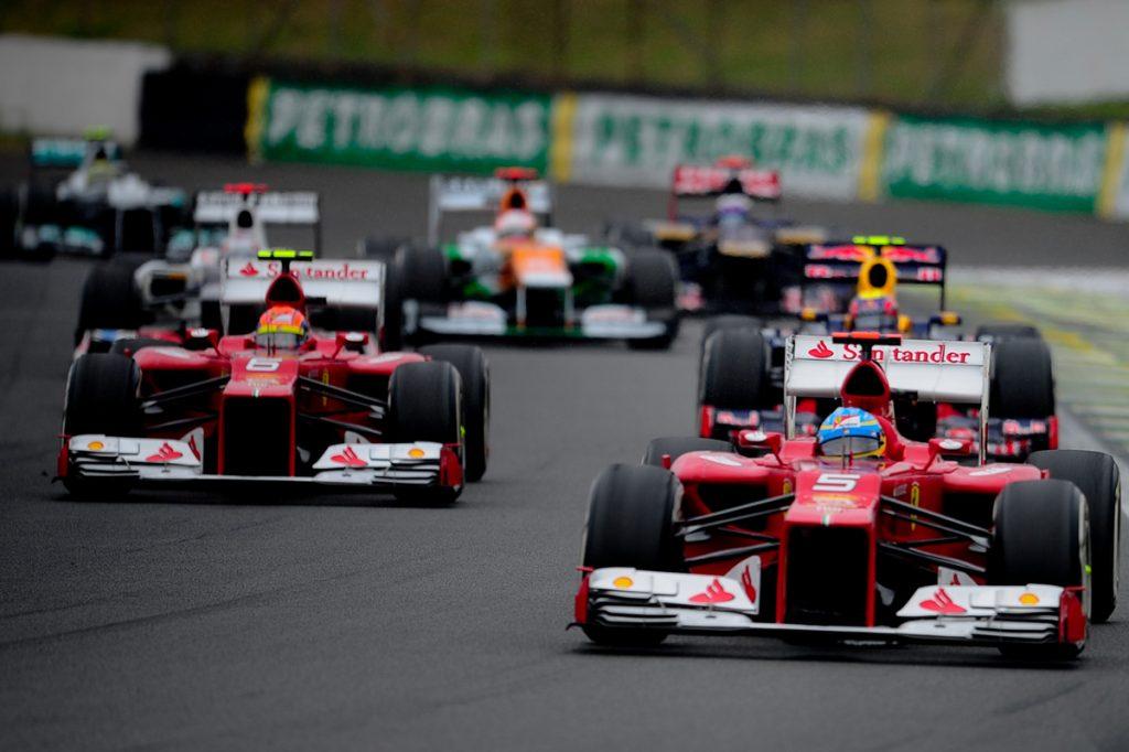 O vídeo vencedor tem direito a dois ingressos para assistir ao GP Brasil de Fórmula-1, em novembro