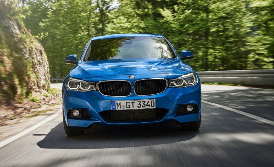 Os novos faróis e luzes auxiliares, com luzes em LED de série, garantem ao novo BMW Série 3 Gran Turismo um perfil mais esportivo