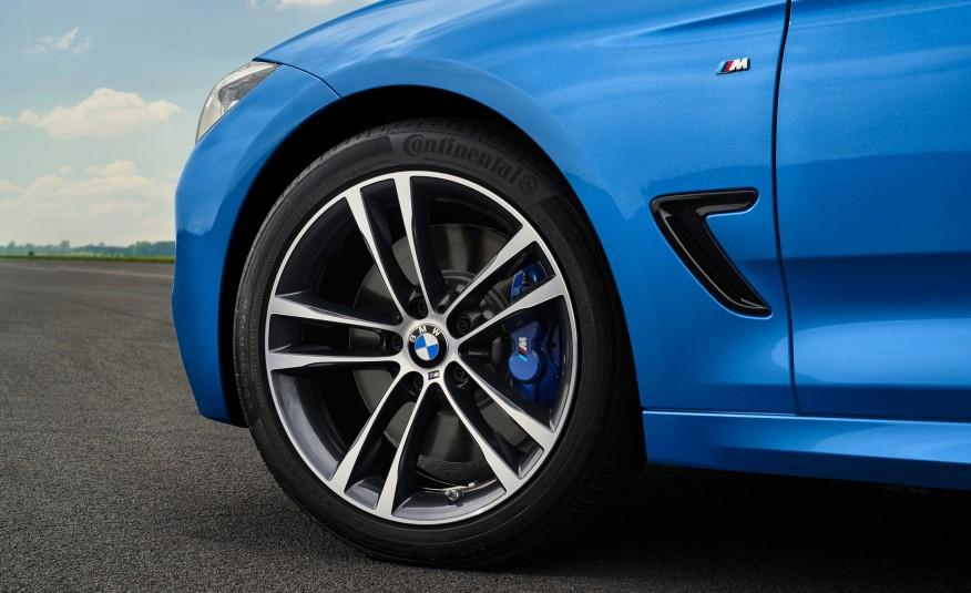 Também são novas as rodas de liga leve de 19 polegadas, que ganharam novos desenhos
