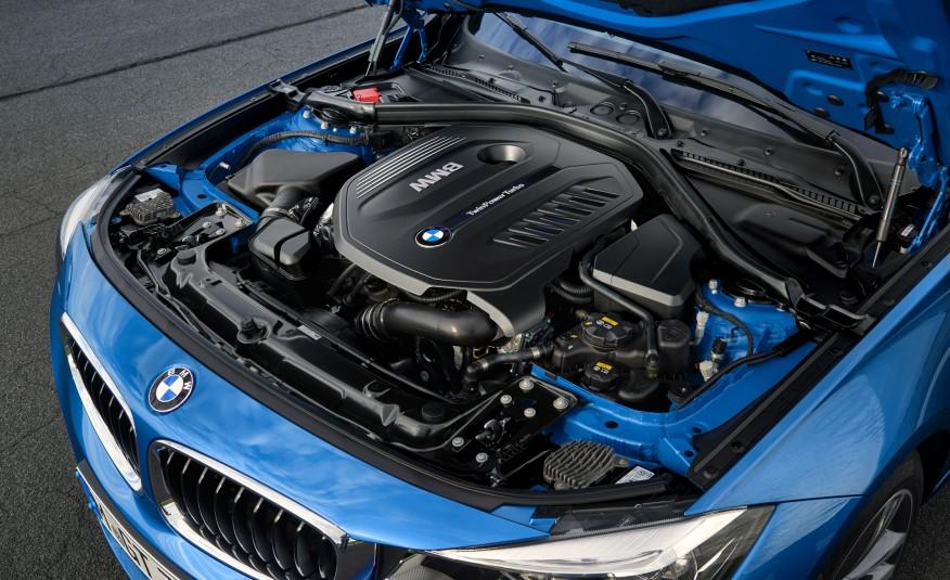 A gama de três motores a gasolina é totalmente novae a opção mais apimentada desenvolve 326cv de potência