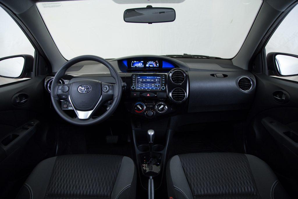 Etios Ready tem sistema multimídia com áudio, Bluetooth®, TV digital, DVD e GPS integrado
