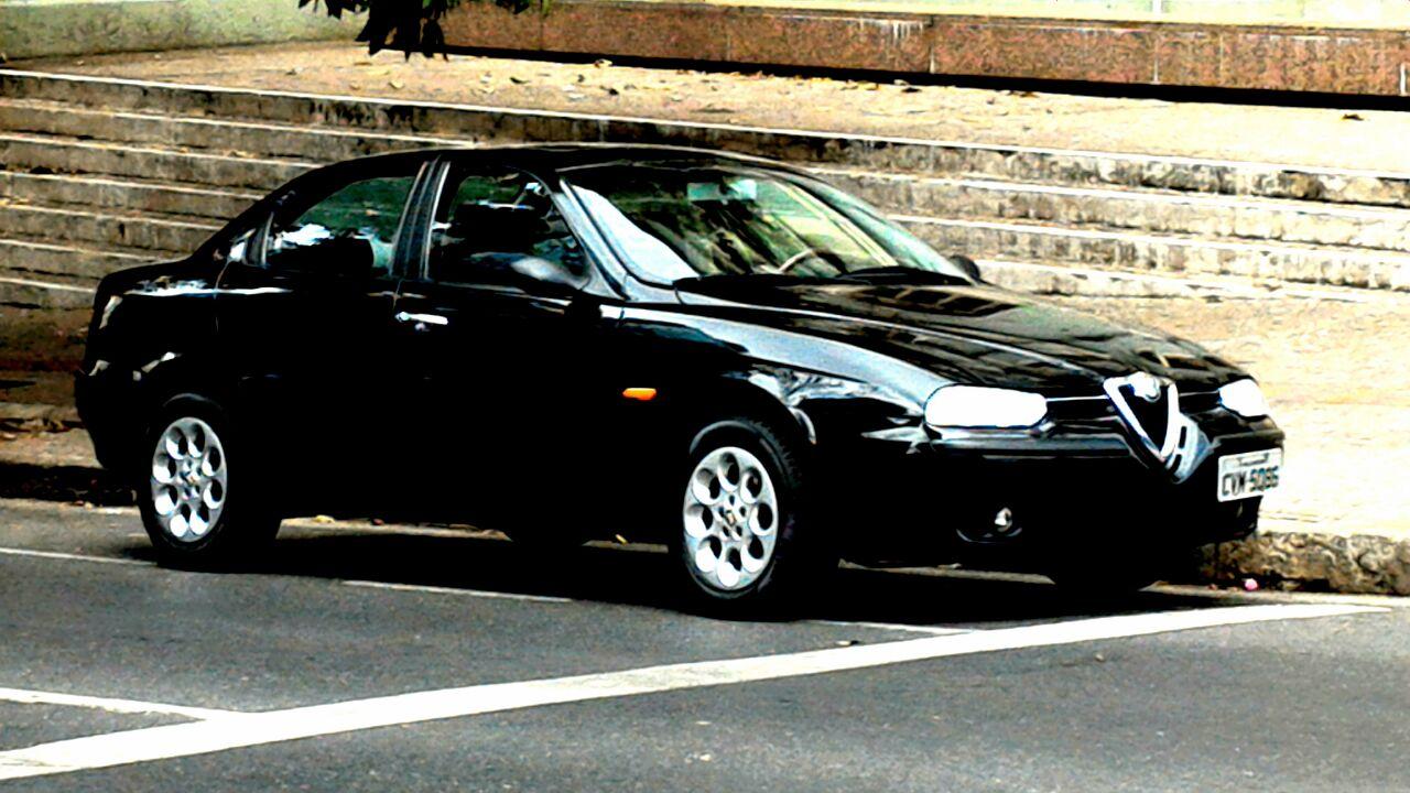 Modelos da Alfa Romeo de várias gerações fazem pare do Alfa Cult, como esta 156