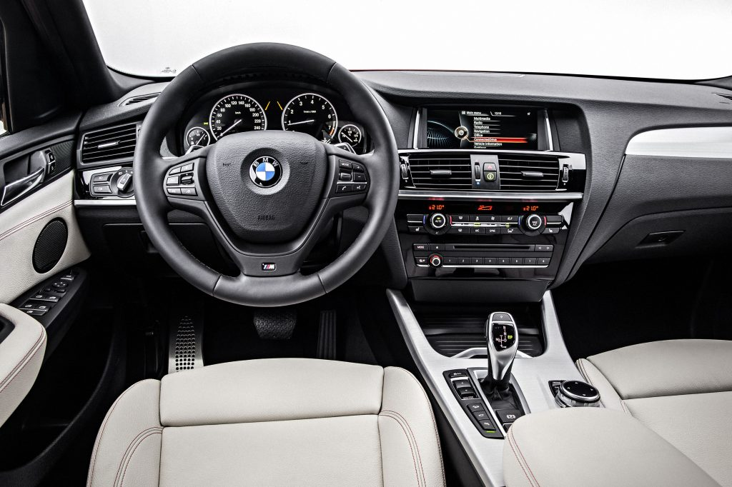 P90143845_highRes_the-new-bmw-x4-with-