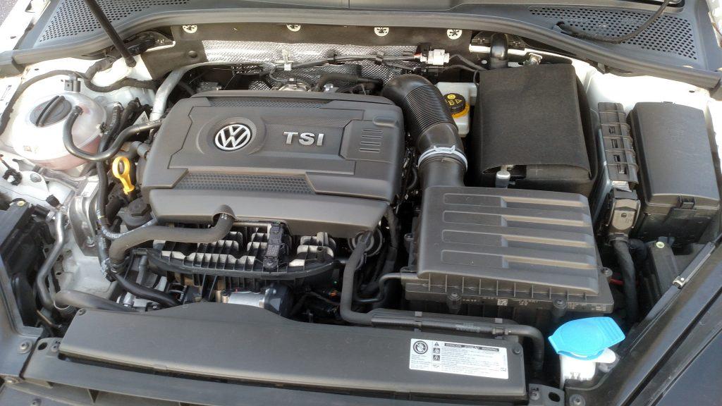 A pimenta mais brava do GTI vem do motor 2.0 TSI, que gera 220 cavalos