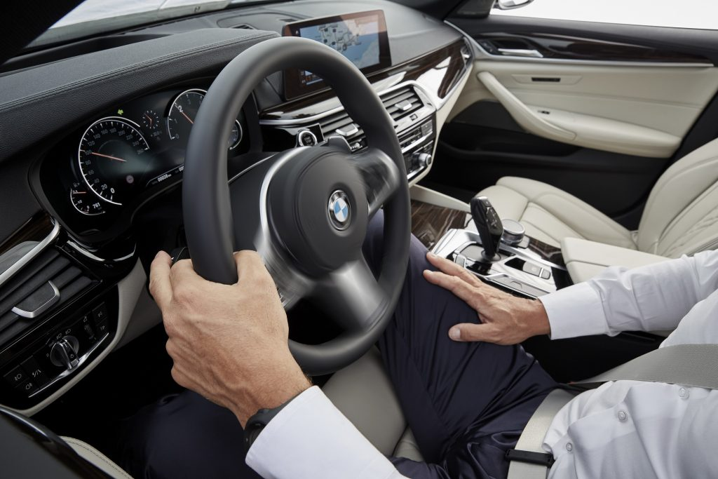 p90237264_highres_the-new-bmw-5-series