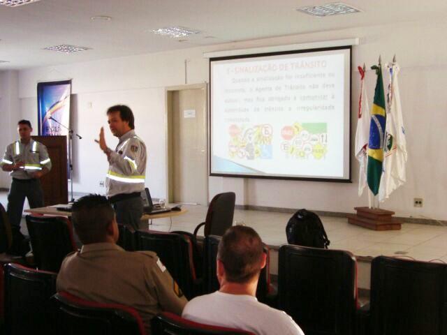 Fernando Fernandes irá abordar vários assuntos relativos à segurança no trânsito