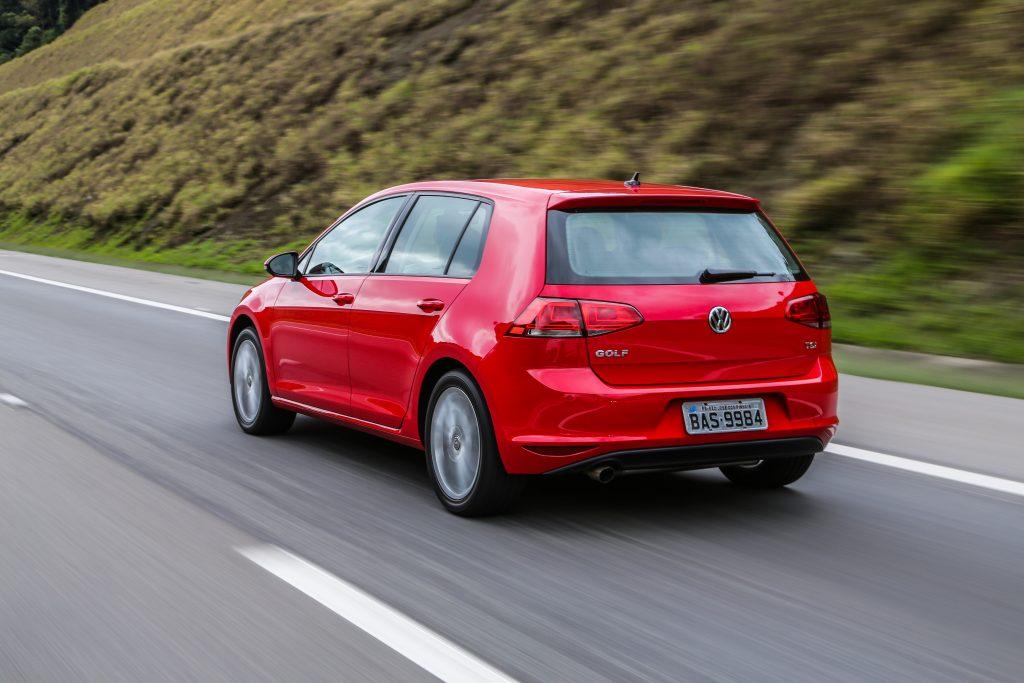 O sistema de freios está entre os mais completos, de ABS a ESC: carro que anda muito tem que parar muito bem