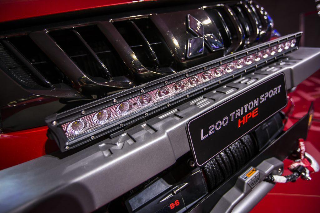 O modelo vem equipado com motor 2.4 litros turbo diesel, que gera 90 cv de potência e 43,9 kgfm de torque