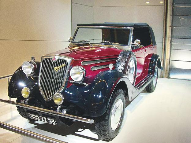 DAS ANTIGAS – A Mitsubishi Motors traz um dos primeiros 4x4 do mundo, o PX-33 criado numa época em que tração nas quatro rodas era coisa de veículo de carga. Dizem que ele é o avô do Pajero.