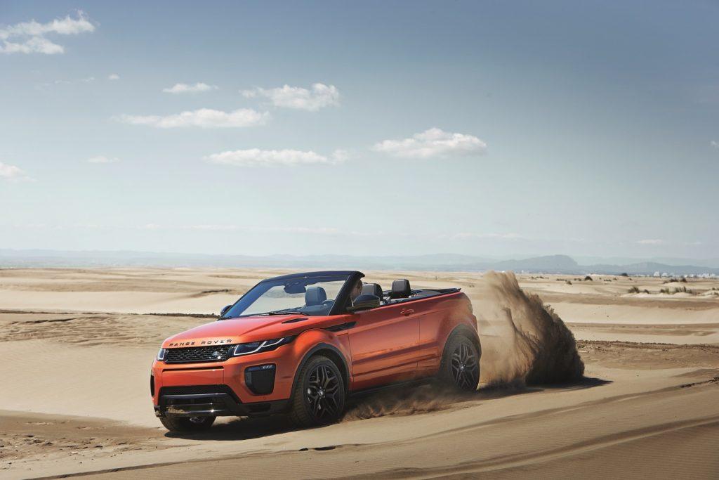 CABELO AO VENTO - A Land Rover escolheu o Salão do Automóvel para fazer a pré-venda do Range Rover Evoque conversível, que terá edição limitada a 45 unidades ao preço de R$ 292.500. Leve, sua capota é em tecido; e abre-se em 18 segundos e fecha-se em 21.