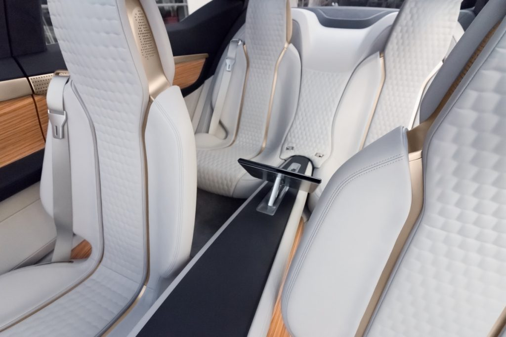 Nissan Revela conceito Vmotion 2.0 na edição de 2017 do Salão Internacional de Detroit