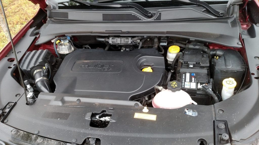 Herdado do Renegade, o motor 2.0 Multijet II 2.0 a diesel proporciona agilidade no trânsito urbano e força no fora-de-estrada