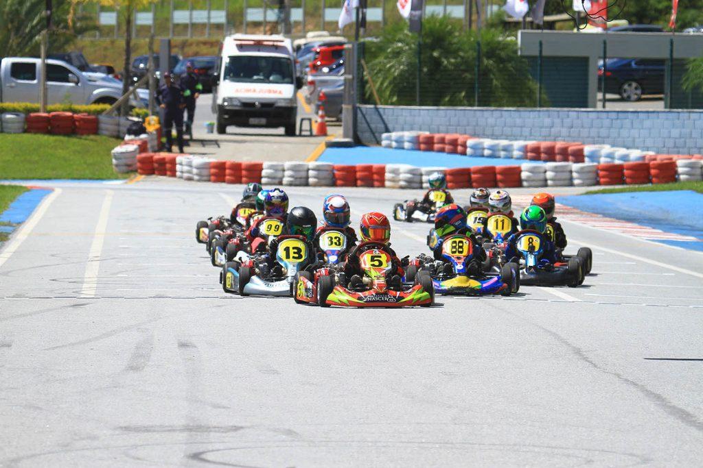 Cerca de 50 pilotos estão sendo esperados na prova no RBC Racing