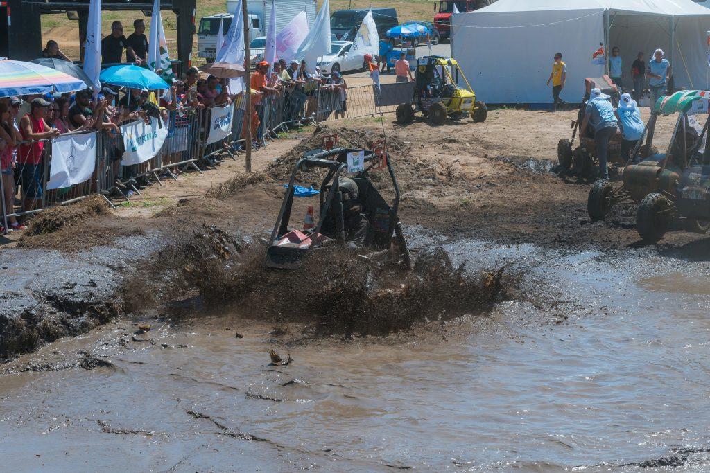 Bajeiros enfrentaram lama no Enduro, prova mais esperada da Competição Baja SAE BRASIL-PETROBRAS