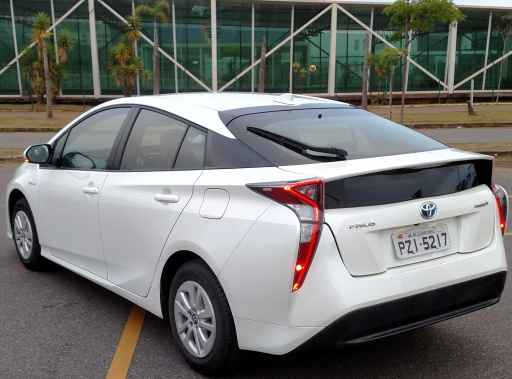 Traseira talvez seja a parte mais questionada do Prius em termos de design