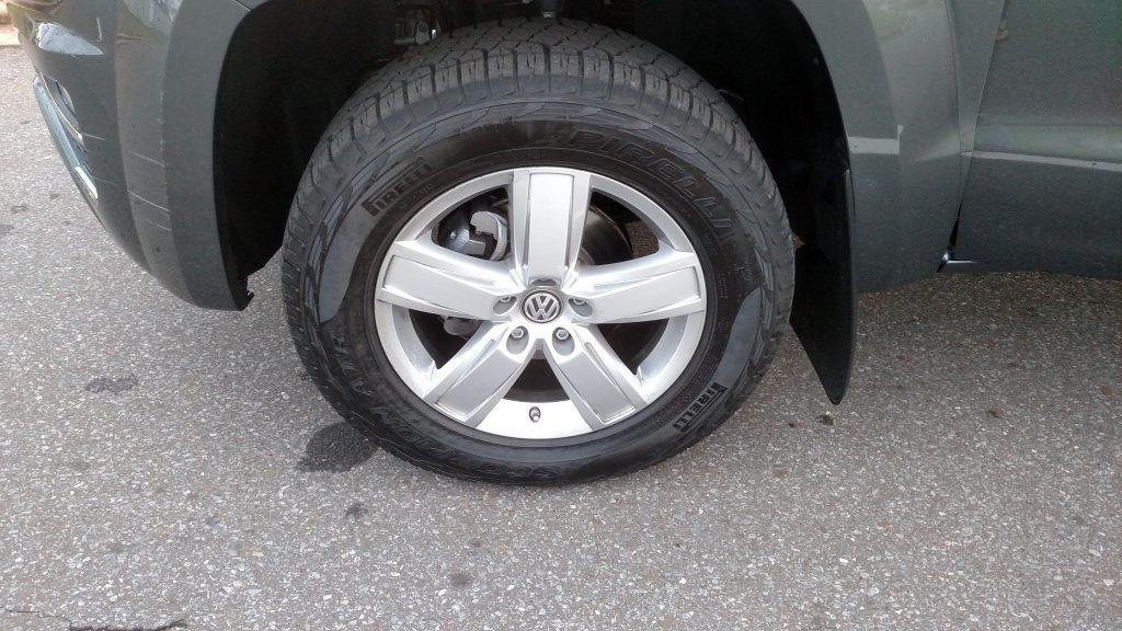 As rodas de liga de 19 polegadas são opcionais e custam R$ 2.360,00