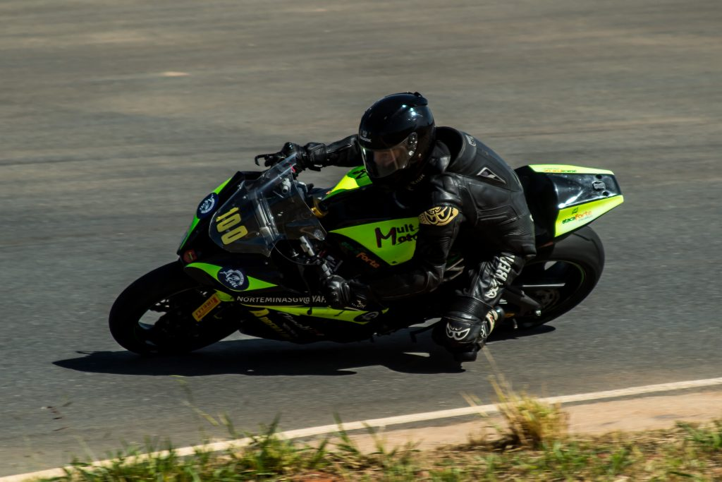 O mineiros Jirius Abboud venceu a primeira etapa da categoria 1000 cc Master e agora defende a liderança em Curvelo