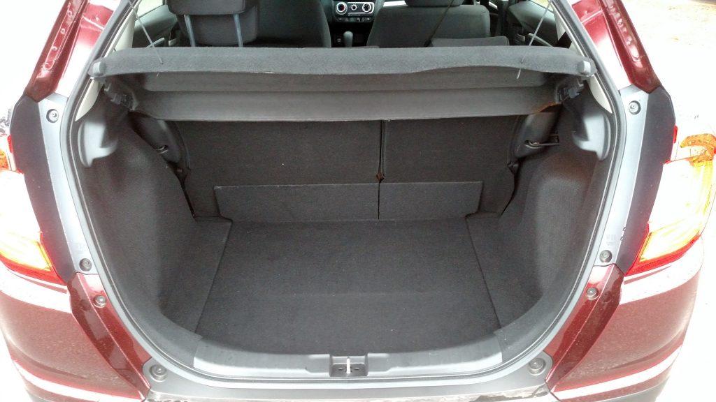 No porta-malas cabem 363 litros, mas, com o banco traseiro rebatido, a capacidade sobe para 1.000 litros