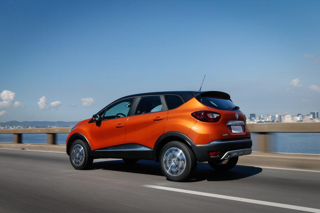 Com o motor 1.6 SCe, o modelo da Renault desenvolve 118 a 120 cv de potência, conforme o combustível no tanque