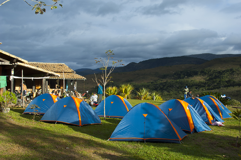 Área de camping dos atletas no Peixe Tolo, no segundo dia do I Cipó Cup