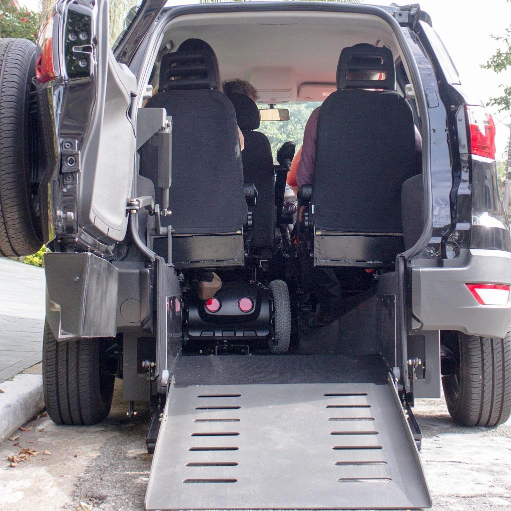 Cavenaghi lança o Pegasus Ecosport, solução de veículo acessível que proporciona autonomia total para motoristas usuários de cadeira de rodas motorizadas