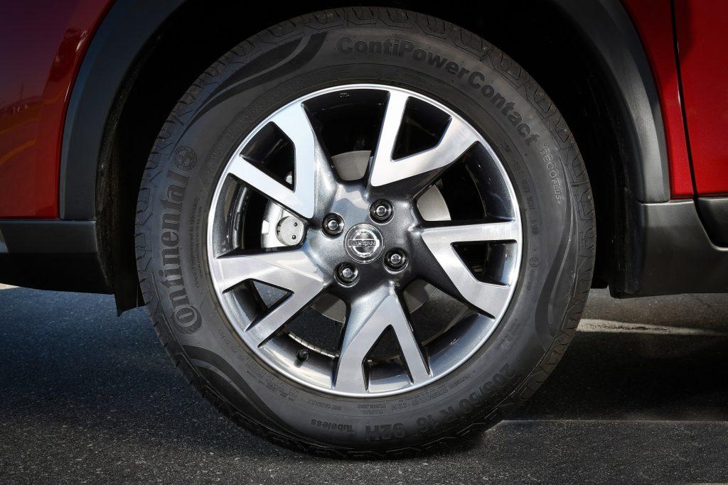 Kicks S CVT roda