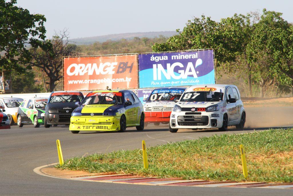 O Campeonato Mineiro de Marcas e Pilotos promete disputas acirradas na pista, apesar do favoritismo do atual campeão Gustavo Mascarenhas