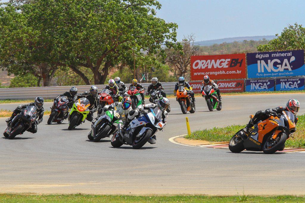 As corridas da terceira etapa do GP Gerais de Motociclismo começam a partir das 10h30