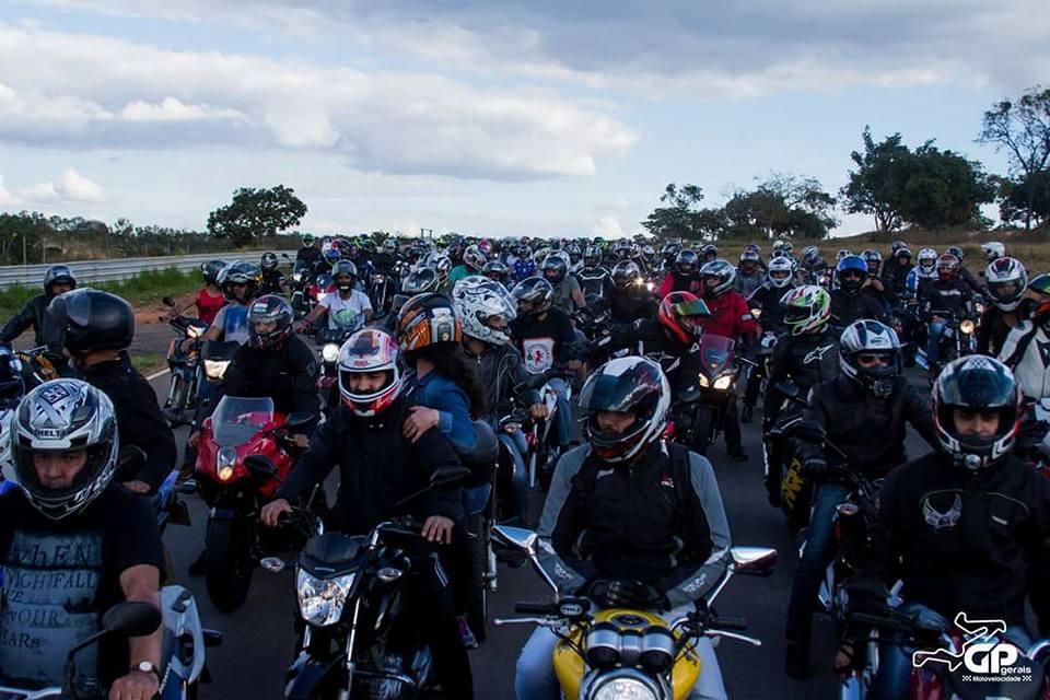 Uma atração do domingo de festa do motociclismo será o passeio de motos pela pista, com coordenação de um piloto profissional