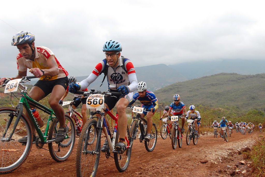 Em outras modalidades de ciclismo, como o mountain bike, o ciclista ou biker tem a vantagem de ter contato com a natureza
