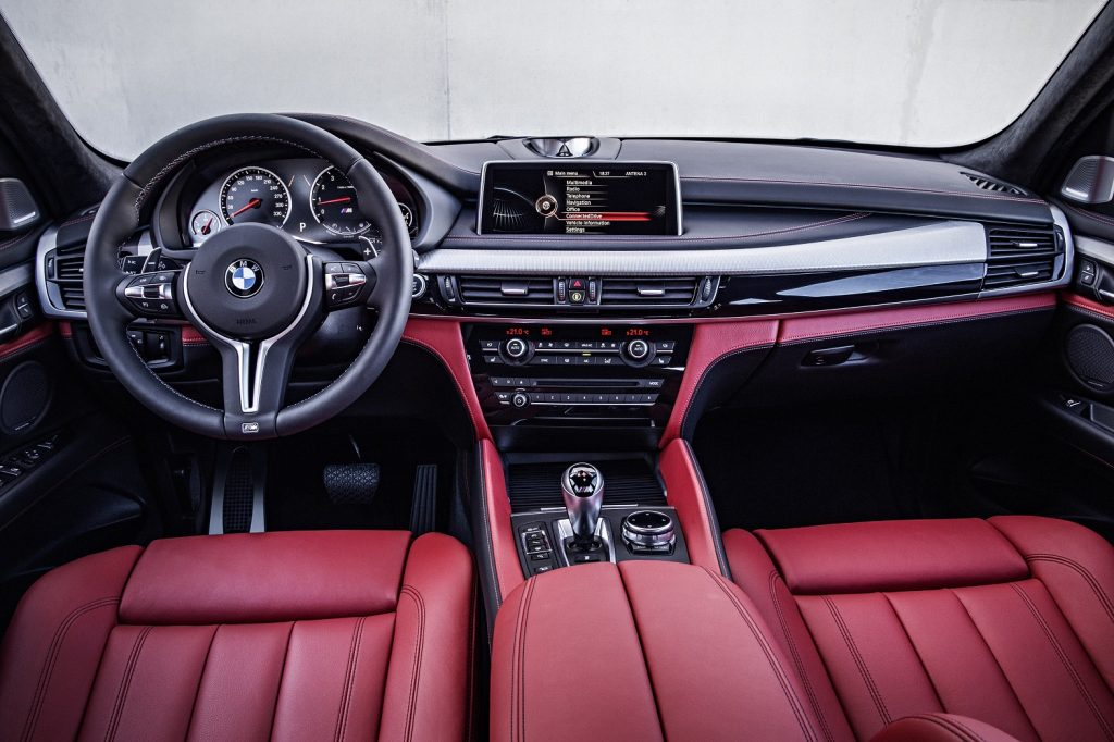 P90166885_highRes_the-new-bmw-x6-m-int