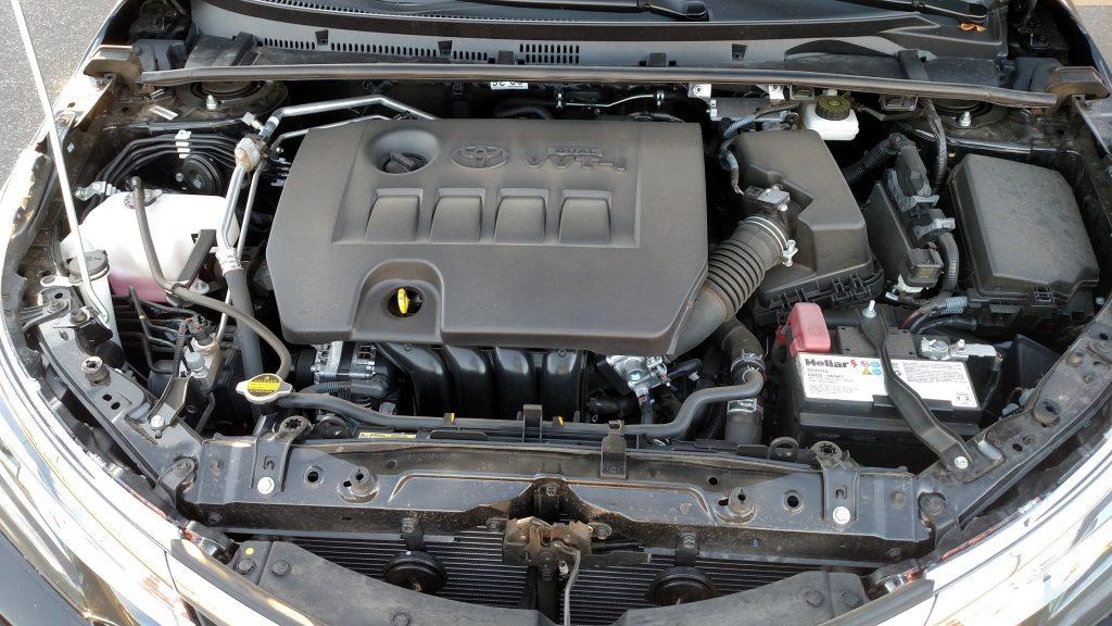 O motor é o mesmo 2.0 16V das versões XEi e Altis e rende potências de 143cv (gasolina) e 154cv (etanol)
