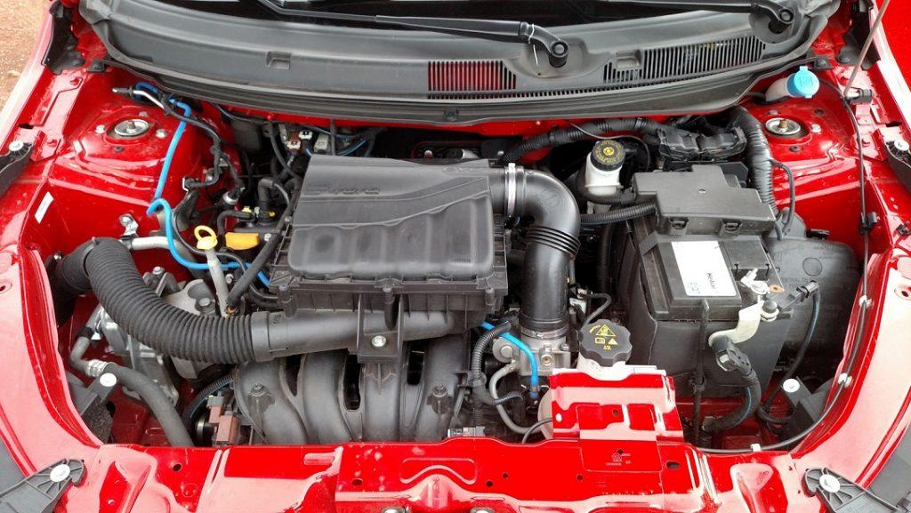 Gerando 135cv com gasolina e 139cv com etanol, o motor E.torQ 1.8 16V tem bom fôlego em altas rotações