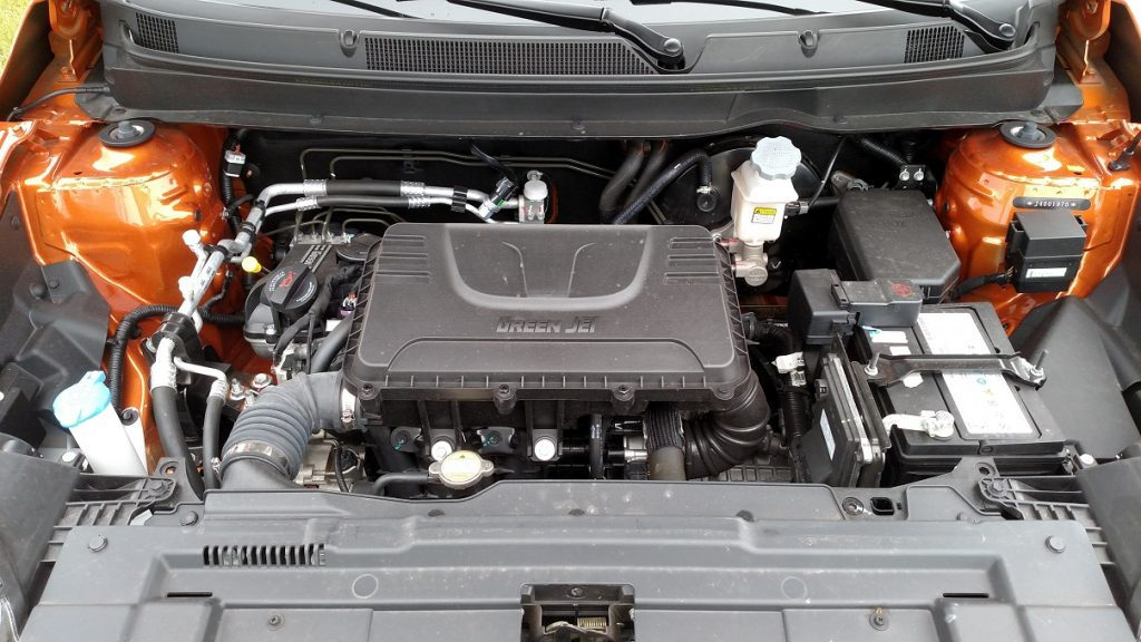 Motor 1.5 16V, flex, tem baixo nível de consumo, mas falta fôlego em baixas rotações