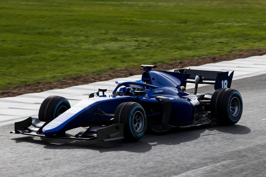 Os engenheiros da equipe do piloto mineiro acreditam que o carro novo será em média um segundo mais veloz dependendo do circuito