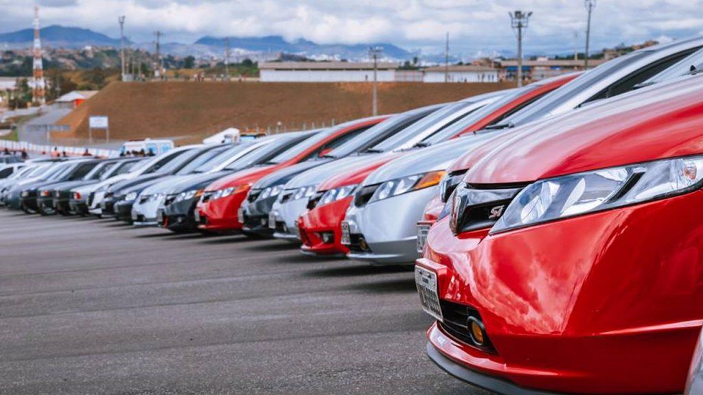 Clube de automóveis participam do Speed Racing Day