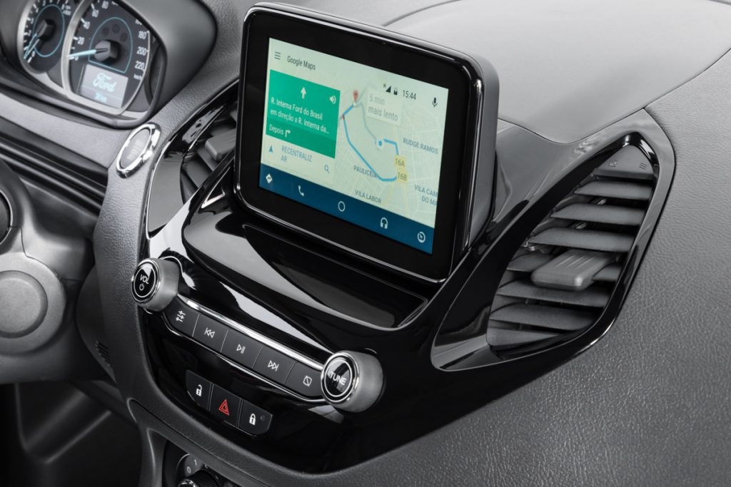 SYNC 3 possui tela flutuante sensível ao toque e posicionada na parte superior do painel, a fim de favorecer a visibilidade e o manuseio.