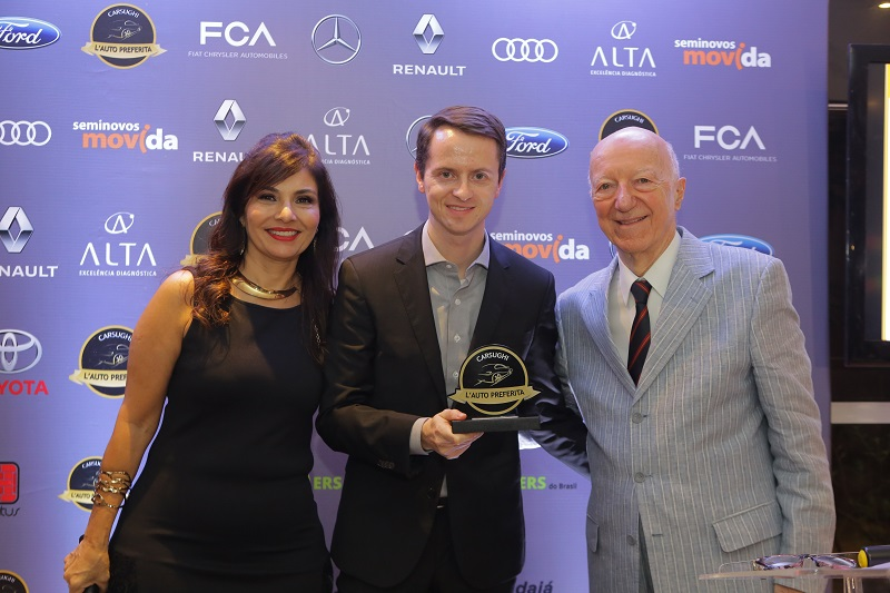 Christian Marxen, da Audi, recebe prêmio SUV grande