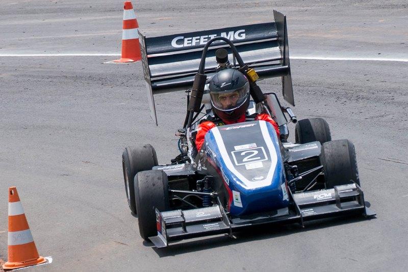 Equipe Fórmula Cefast do Cefet-MG foi campeã na Categoria Combustão