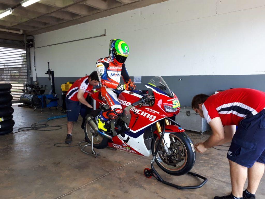 Equipe da Honda aproveitou os treinos para testar alguns novos componentes