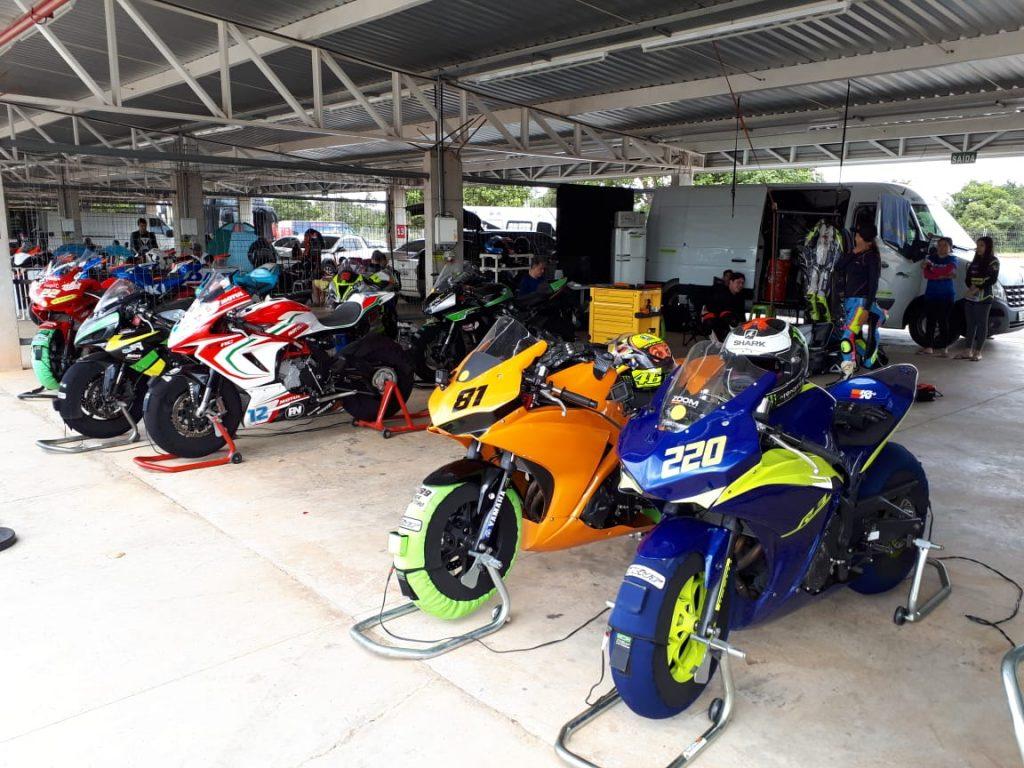 GP Gerais reuniu no Circuito dos Cristais 150 pilotos em diversas categorias da Motovelocidade