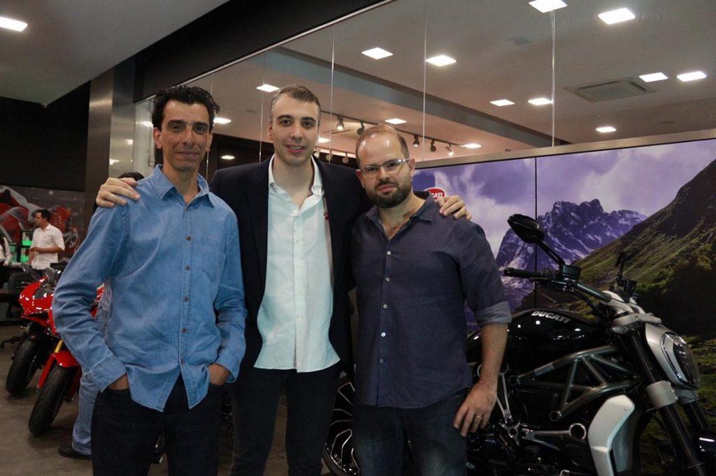 Carlos Augusto Constantino, diretor comercial do Grupo Orange, Diego Borghi presidente da Ducati do Brasil e Felipe Nacif, diretor geral do Grupo Orange