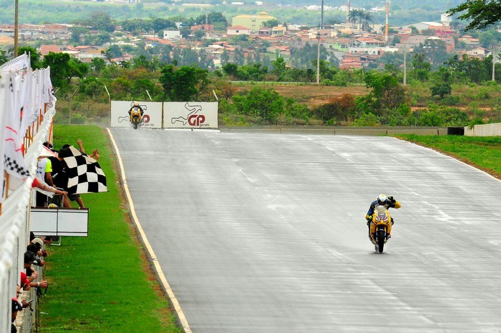 O Circuito dos Cristais está com a homologação em dia para a prática da Motovelocidade no Brasil
