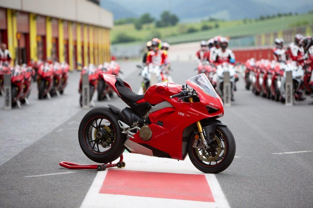 Brasil passou a encorpar o grupo de mais de 10 mil motociclistas formados pela Ducati no mundo (Foto: Ducati/Divulgação)