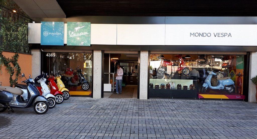 A Mondo Vespa distribui com exclusividade os modelos da marca italiana em Minas (Foto: Eduardo Aquino)