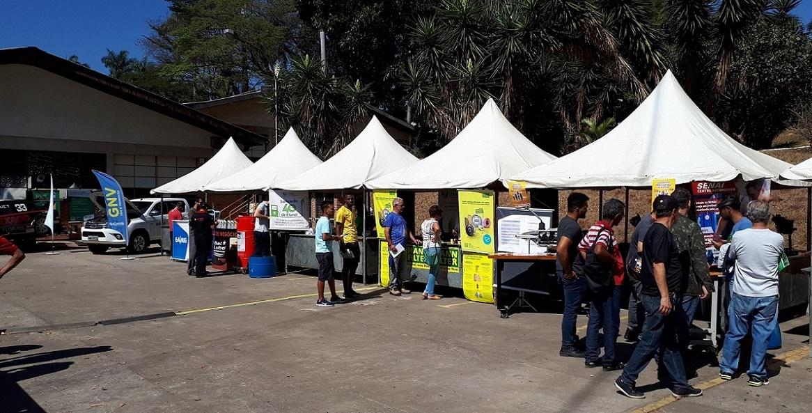 O Pit Stop também reúne empresas que apoiam e aproveitam o evento para exporem seus produtos (Foto: Eduardo Aquino)
