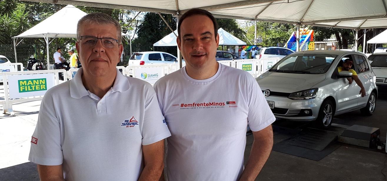 Alexandre Mol, presidente do Sindicato da Indústria de Reparação de Veículos do Estado de Minas Gerais - Sindirepa-MG; e Flávio Roscoe, presidente da Fiemg (Foto: Eduardo Aquino)